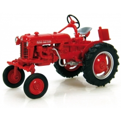 TRACTEUR MC CORMICK INTERNATIONAL FARMALL CLUB